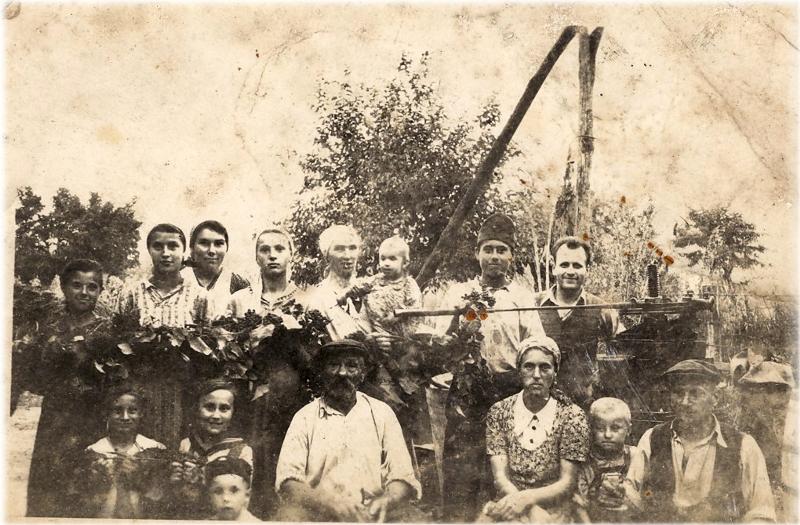 Szüret Kucsera Józseféknél a '30-as évek közepén