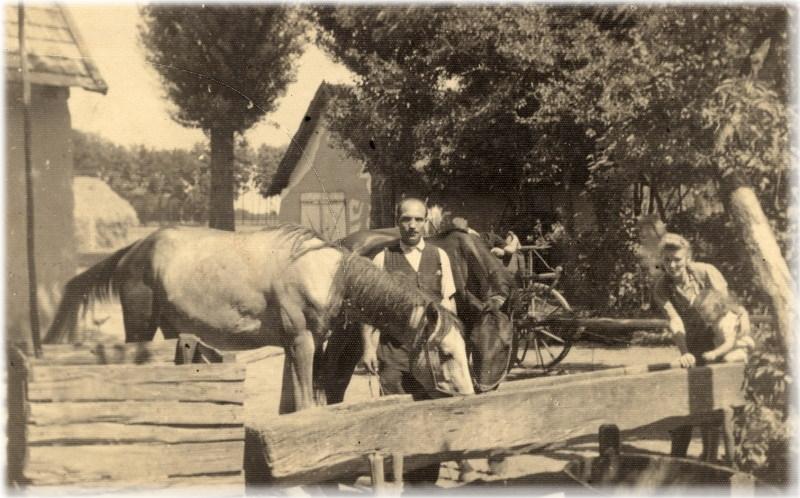 Kisjuhász Ferenc, a felesége és gyermeke (1935.)